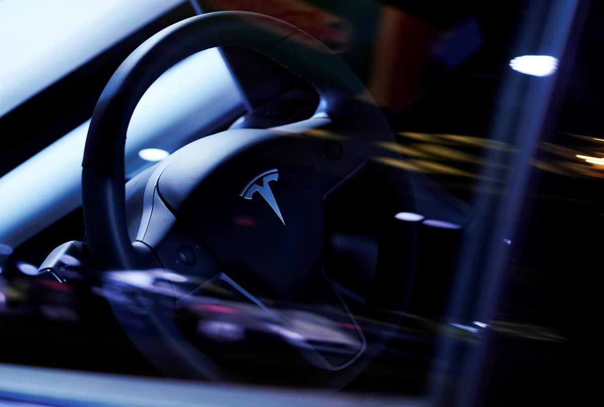 , U.S. will look at sudden acceleration complaints involving 500,000 Tesla vehicles – Source Reuters Tech News, iBSC Technologies - learning management services, LMS, Wordpress, CMS, Moodle, IT, Email, Web Hosting, Cloud Server,Cloud Computing