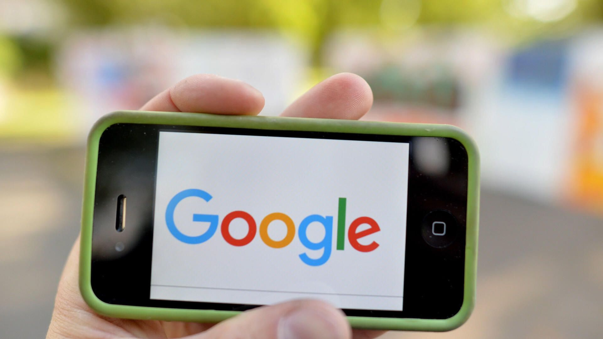 , Google to change search results again, Vine's back (sort of) – Video – Source CNET Tech, iBSC Technologies - learning management services, LMS, Wordpress, CMS, Moodle, IT, Email, Web Hosting, Cloud Server,Cloud Computing