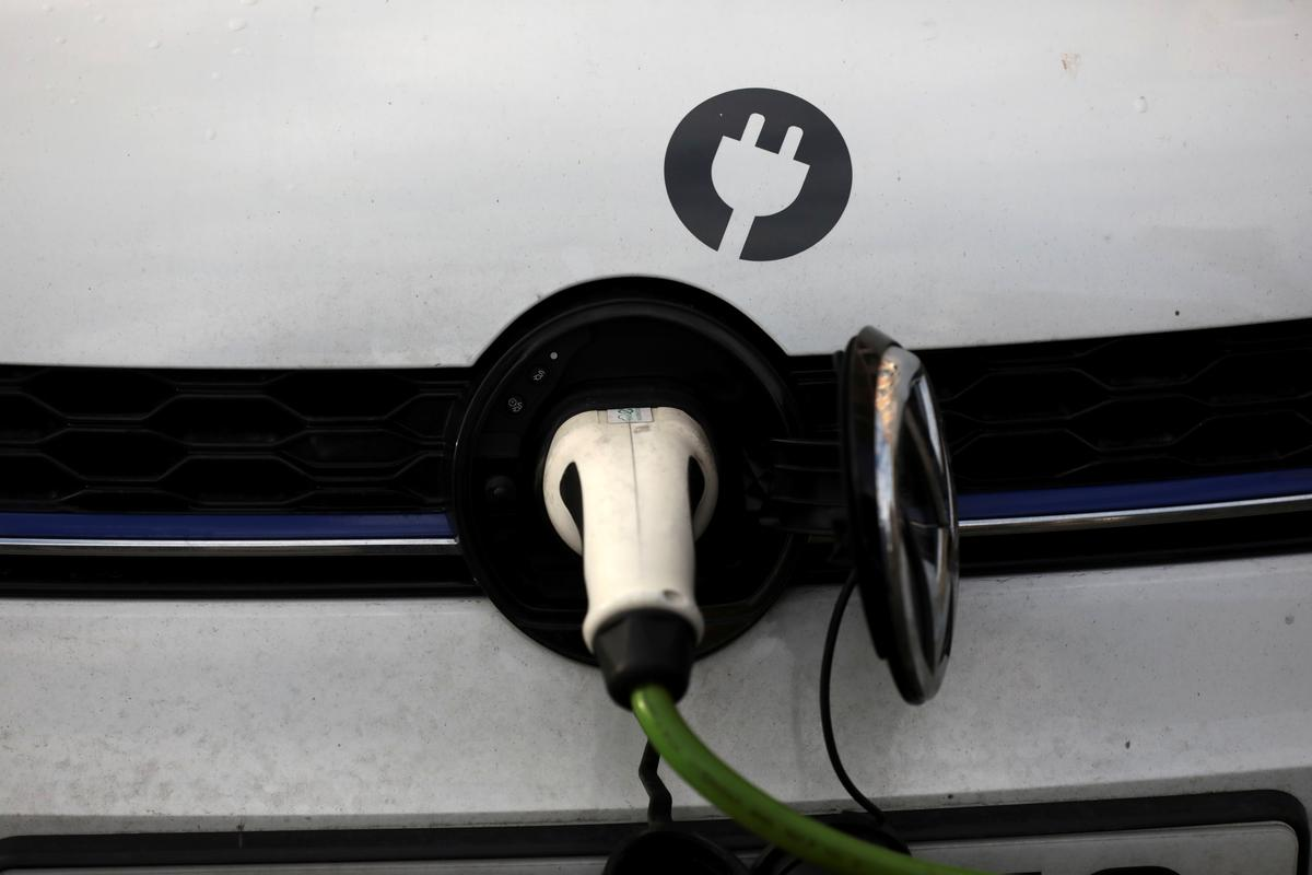 , Electric dream: Britain to ban new petrol and hybrid cars from 2035 – Source Reuters Tech News, iBSC Technologies - learning management services, LMS, Wordpress, CMS, Moodle, IT, Email, Web Hosting, Cloud Server,Cloud Computing