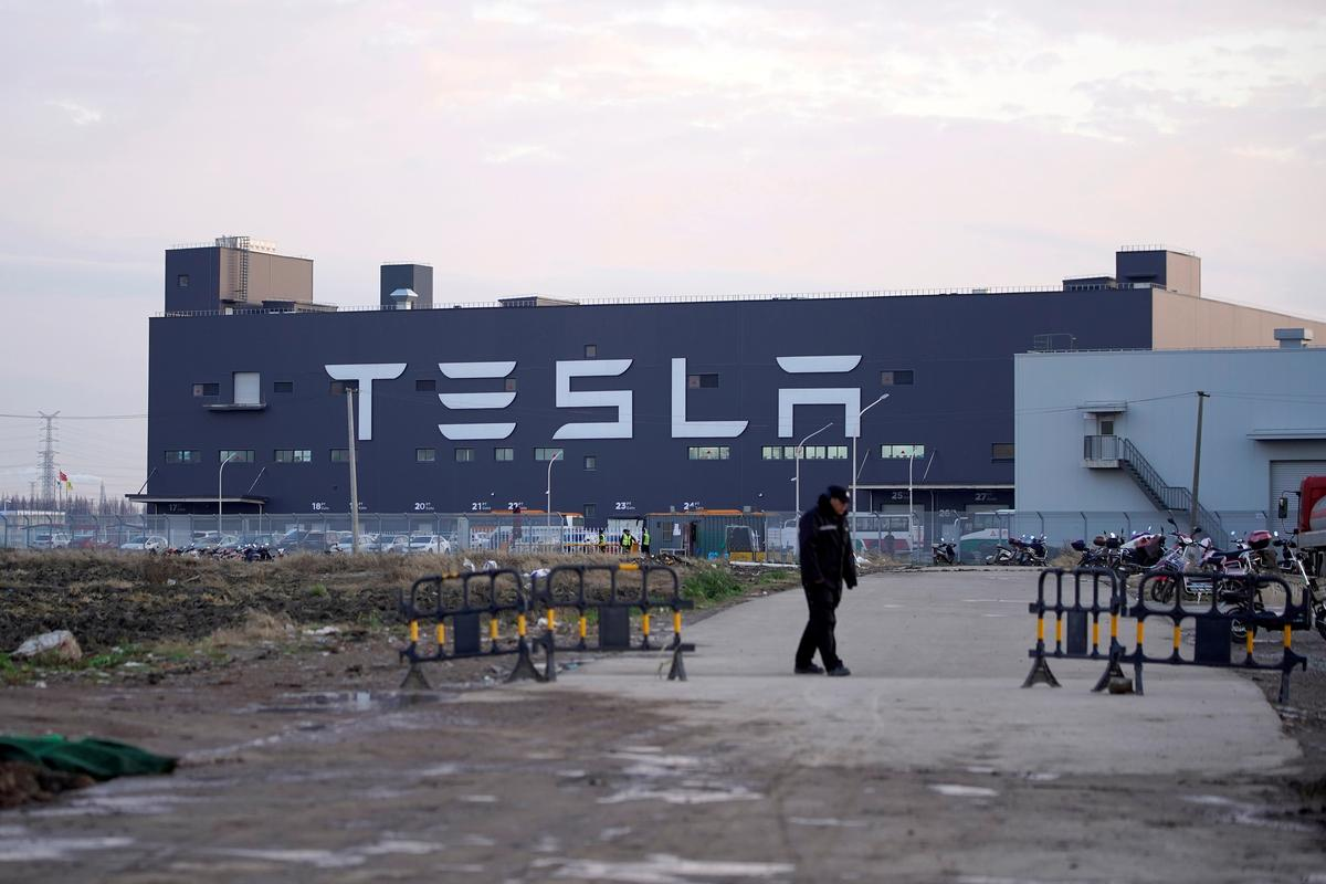 , Tesla tumbles as coronavirus weighs on Shanghai factory – Source Reuters Tech News, iBSC Technologies - learning management services, LMS, Wordpress, CMS, Moodle, IT, Email, Web Hosting, Cloud Server,Cloud Computing