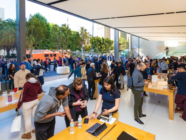 , Apple must pay store employees for bag-search time, court rules – Source CNET Tech, iBSC Technologies - learning management services, LMS, Wordpress, CMS, Moodle, IT, Email, Web Hosting, Cloud Server,Cloud Computing