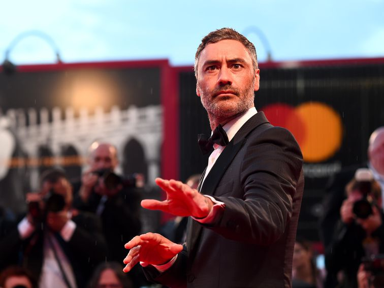 , Taika Waititi demands Apple 'fix those keyboards' at Oscars – Source CNET Computer News, iBSC Technologies - learning management services, LMS, Wordpress, CMS, Moodle, IT, Email, Web Hosting, Cloud Server,Cloud Computing