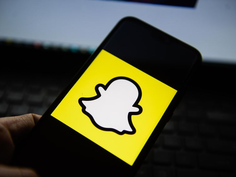, Snap misses on revenue but attracts more daily users – Source CNET Tech, iBSC Technologies - learning management services, LMS, Wordpress, CMS, Moodle, IT, Email, Web Hosting, Cloud Server,Cloud Computing