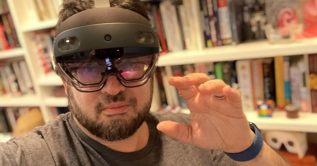 , Hands-on at home with Microsoft's Hololens 2 – Source CNET Computer News, iBSC Technologies - learning management services, LMS, Wordpress, CMS, Moodle, IT, Email, Web Hosting, Cloud Server,Cloud Computing