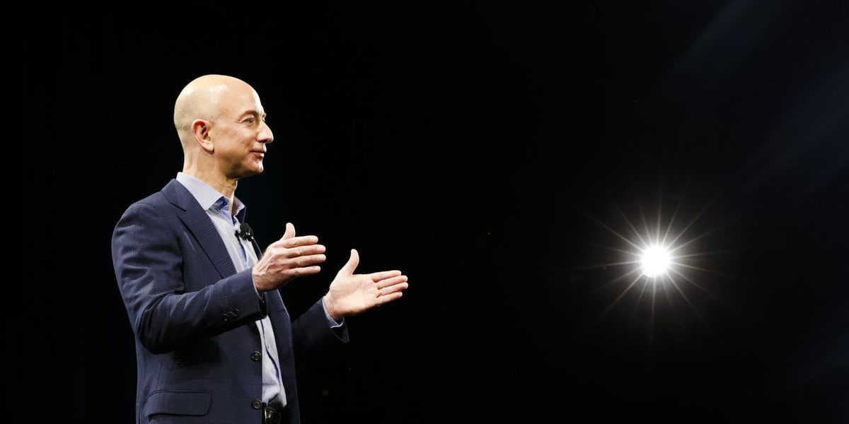 amazon-jeff-bezos-portrait-8430.jpg