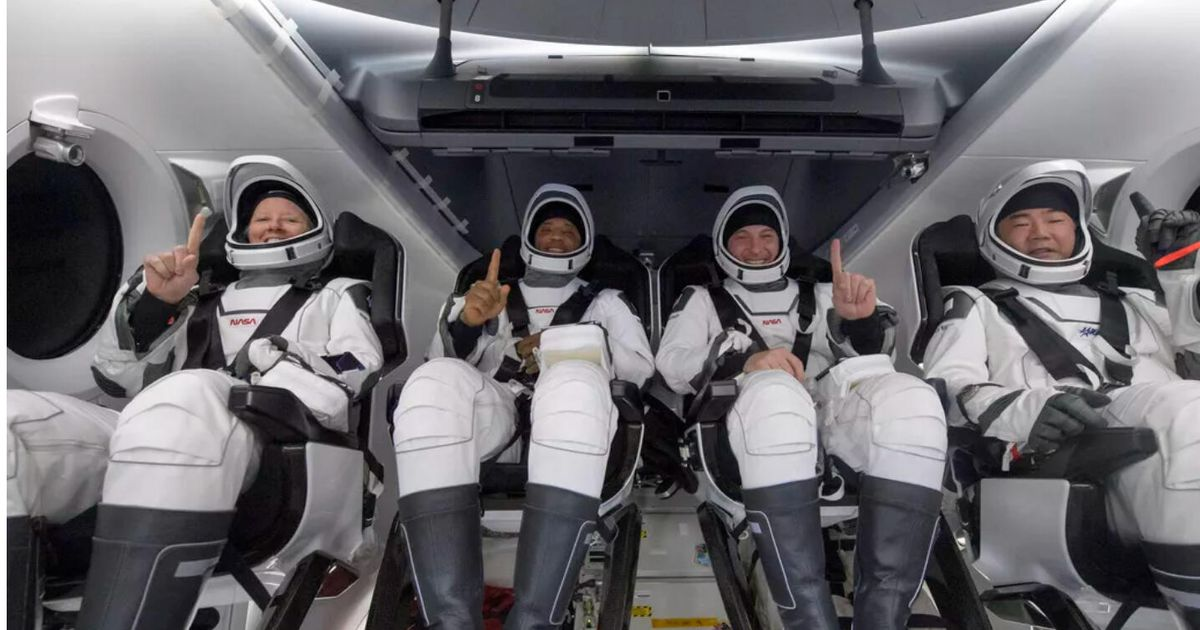 , SpaceX astronauts return, Florida bill questions social media bans – Video – Source CNET Tech, iBSC Technologies - learning management services, LMS, Wordpress, CMS, Moodle, IT, Email, Web Hosting, Cloud Server,Cloud Computing